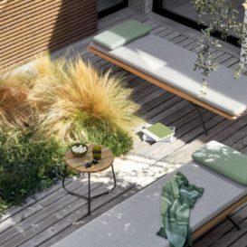 Minimalistisch tuinbankje van Manutti