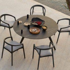 manutti solid tafel en stoelen