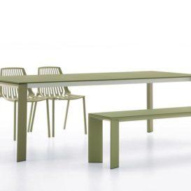 Fast Grande Arche tafel en bank met Rion stoelen