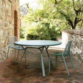 Fast Radice Quadra ronde tafel met Rion stoelen