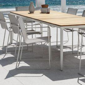 Gloster Asta stoelen en tafel