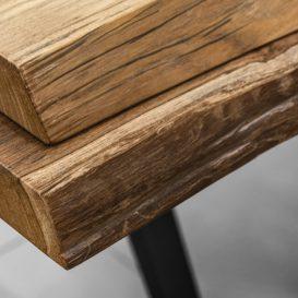 Detail van teak van de Raw tafel van Gloster