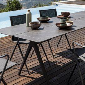 Gloster Split keramische tafel met stoelen