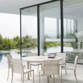 Royal Botania O-zon tafel en stoelen
