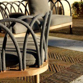 Unopiu les arcs lounge in detail