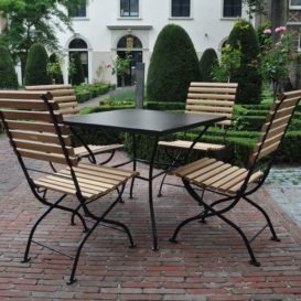 Klassiek nederlands buiten meubilair