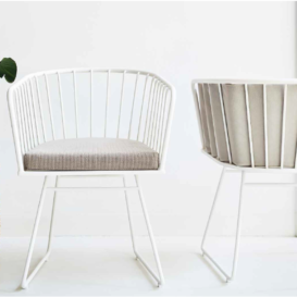 Bivaq Illa chair in white front and back