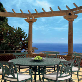 Oxley Luxor dining set in Greece