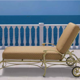 Oxley Luxor lounger in gold