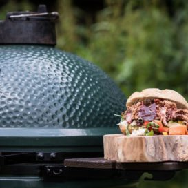 Big green egg large in action