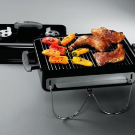 Weber Go Anywhere with le chicken