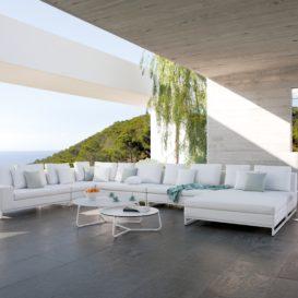Manutti Zendo lounge in prachtige overkapping buitenverblijf-min