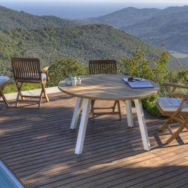 Prachtige setting met Discus tafel Royal Botania en klassieke stoel RB-min