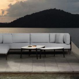 Royal Botania Lusit Lounge tijdens zonsondergang in Azië-min