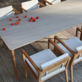 Royal Botania Zenhit tafel met keramisch blad en bijpassende Zenhit stoelen met kussens-min