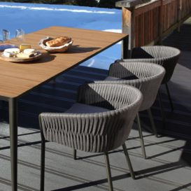 U-nite tafel met Twist stoel in wintersetting-min