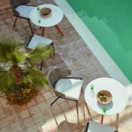 Manutti Torsa table top view